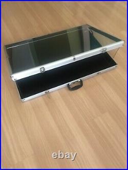 Brand New LARGE Portable Display Countertop Showcase Aluminum Case Lock 34x22x3
