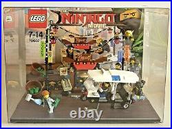 Lego 70607 Ninjago Movie Display Showcase Schaukasten Verfolgungsjagd City Chase