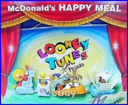 McDonald's Happy Meal LOONY TUNES CHARACTER PARADE Showcase Display Set MIB`96