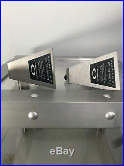 Oakley Glasses Display Stand Show Case, Lock, keys And Display Stands(2)