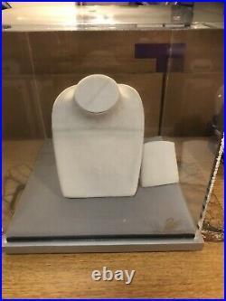 Swarovski Clear Acrylic Locking Display Box Large Jewelry Show Case 12x12x12in